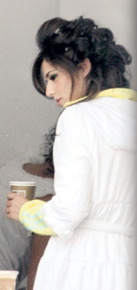 Even Cheryl Cole Loves Her Dressing Gown - 24 September 2009